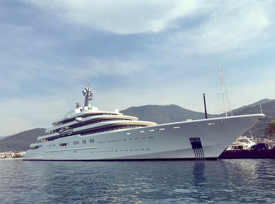 Roman Abramovichs Super Yacht Spotted in Montenegro1